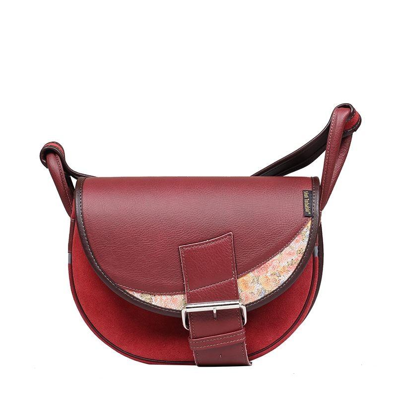 czerwona skórzana torebka