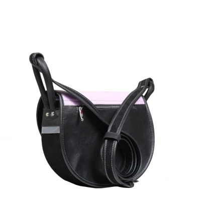 czarna skórzana torebka tył