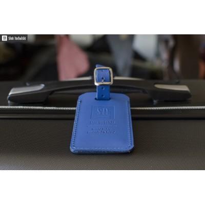 niebieski identyfikator na bagaż
