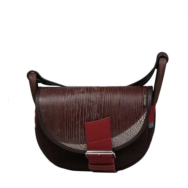Brązowa skórzana torebka z klamrą