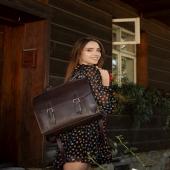 """Cześć, nazywam się Żaczek 🙂 Jeśli jesteś (Słonio)fanką plecaków to jestem dla Ciebie idealny! Przypominam o KODZIE RABATOWYM na dodatkowe -50zł w sklepie ➡ www.slontorbalski.pl LINKW  BIO  Ważne: kod łączy się z obecną promocją, więc to idealny moment na zakup nowego Słonia! Kod o treści """"JESIEN2021"""" należy wpisać w koszyku zamówienia.  Jestem modelem Exclusive, a to znaczy, że zostałem uszyty w ilości maks 15 sztuk, więc jestem bardzo wyjątkowy. Zostały mnie OSTATNIE sztuki w słoniowym sklepie!  Pozdrawiam, Żaczek  #jesieniara #jesieniara🍁 #jesiennastylizacja #jesiennyklimat #jesiennyoutfit #jesien2021  #skorzanyplecak #skórzanyplecak #plecak #plecakdamski #modnyplecak  #kobieceinspiracje #torebki #stylowakobieta #lovetorebki #torebkahandmade #torebkaidealna #modnapolka #lovebag #polskamoda #polskienosze #wspierampolskiemarki #polskamarka  #dobrebopolskie  #inspiracjamoda #stylizacjanajesień #stylizacjanadziś  #sesjazdjeciowa   Modelka: @eleonora301995  Foto: @annatylek.photo  Mua: @makeup_adrianna"""