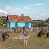 Plecak Teofila w jeszcze jednej wakacyjnej odsłonie ❤ Razem z @miss.kolczi w trakcie zwiedzania pięknych miejsc ❤ Drogie Słoniofanki życzymy Wam udanego weekendu i ciekawych wędrówek!   A jeśli planujecie online zakupy to koniecznie nas odwiedźcie www.slontorbalski.pl LINK W BIO - zwiększyliśmy ilość torebek skórzanych na letniej wyprzedaży aż do -50%!   #plecak #leatherbag #summervibes #lato2021 #oodt #plecakskórzany #skórzanyplecak #vintagebag #brazowyplecak #szyjemywpolsce #wspierampolskiemarki #recznierobione #recznieszyte #polskamarka #skorzanatorebka #slontrabalski #fashion #fashioninspo #lato #letniastylizacja #backpack #handmadebag #blogerkamodowa #ogrod #galanetria #wygodnyplecak #trendy2021 #moda2021 #nawsi  #chatka