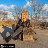 Witajcie w poniedziałek! 🙂🥳 W tym tygodniu czeka nas #blackweek i #blackfriday więc koniecznie obserwujcie nas na bieżąco! Razem ze zdjęciem @ladycreager (dziękujemy!) przesyłamy pozdrowienia i życzymy słonecznego tygodnia i takiej pięknej pogody jak na zdjęciu 🌞🍂🍁   Zapraszamy do sklepu online link w bio (www.slontorbalski.pl)  ⭐ Słoniofanki jeśli kliknięcie na zdjęcie zostaniecie przeniesione od razu na stronę, gdzie czeka Karol w różnych wersjach kolorystycznych   #slontorbalski #plecak #skorzanyplecak #plecakvintage #modnyplecak #bookpack  #trendy2020 #modanajesien #polskamarka #handmade #instafashion #madeinpoland  #fashionlover #plecakdamski #plecakskórzany #promocja #fashionlover #instafashion #wspierampolskiemarki #rekodzielo #rekodzielo_pl #recznieuszyte #bagslover #womanbag #galanteriaskorzana #skórzanyplecak #musthave #damskiedodatki